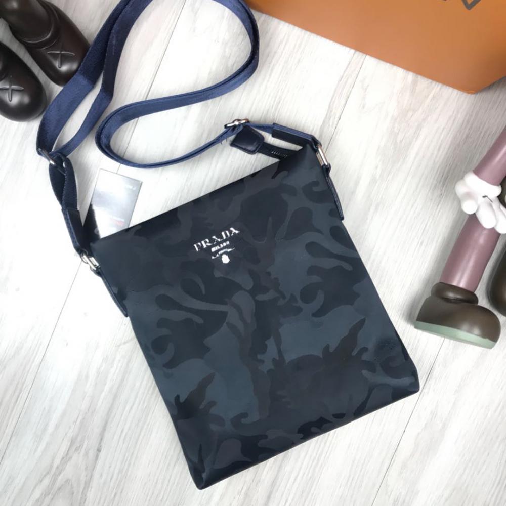 718c4efcb329 Мужские сумки плечо интернет – магазин Прада синие в узорах - Mega ...