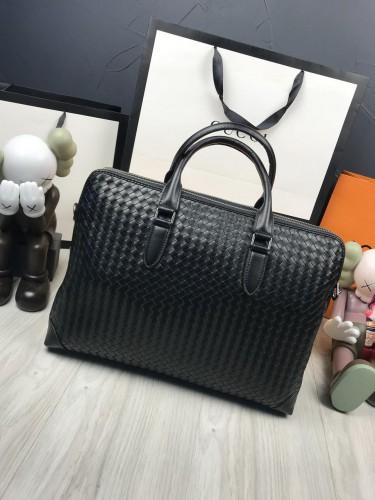 Мужская сумка для ношения в руках Bottega Veneta кожа фото